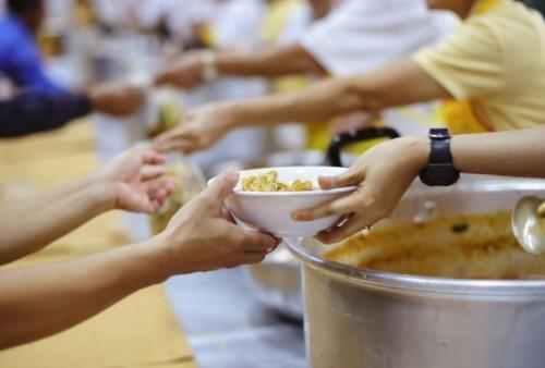 Трапезарията за бездомни в Русе получи голямо дарение