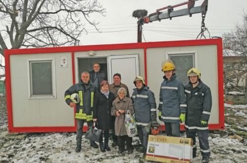 Подслониха баба Иванка във фургона, започна дарителска кампания (обновена)