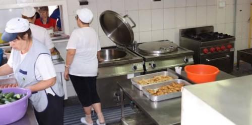 Социалният патронаж в Бургас обяви горещи телефони за доставка на храна и лекарства
