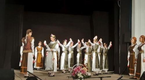 Благотворителен концерт в Свищов събра средства за болно дете