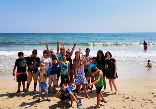 Дарители изпратиха 25 талантливи деца на морска почивка