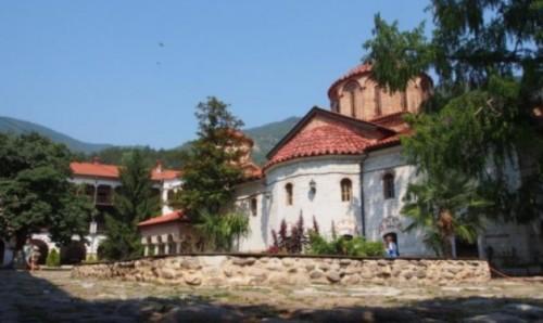 В Бачковския манастир отварят първия социален дом за свещеници