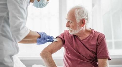 Пенсионерите имат право на безплатна ваксина срещу грип при своя личен лекар