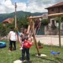Над 30 семейства направиха площадка за децата си в Столетово