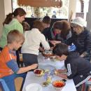 Деца от Русенска епархия боядисаха яйца за благотворителност