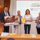 Свищовски абсолвенти дариха 1000 лв. за стипендии на студенти със социална потребност